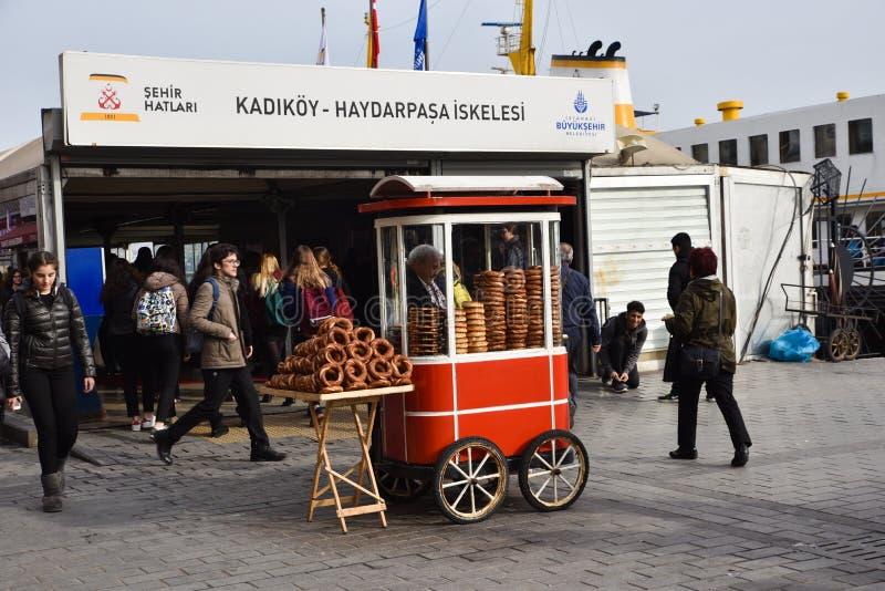 百吉卷卖主在伊斯坦布尔 图库摄影