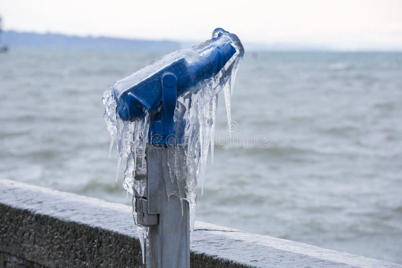 冻结的双筒望远镜 免版税图库摄影