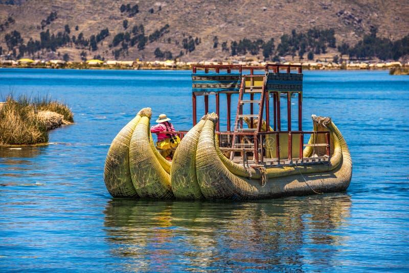 的喀喀湖,秘鲁,南美Uros浮动海岛  免版税图库摄影