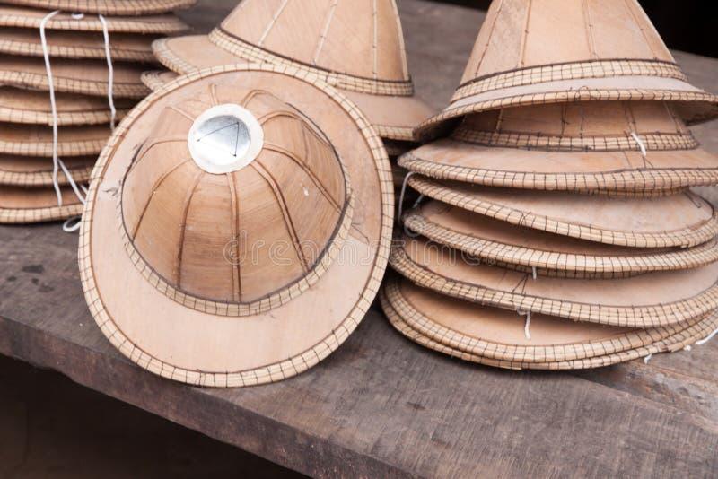 的帽子组分由亚洲扇叶树头榈棕榈制成 库存照片