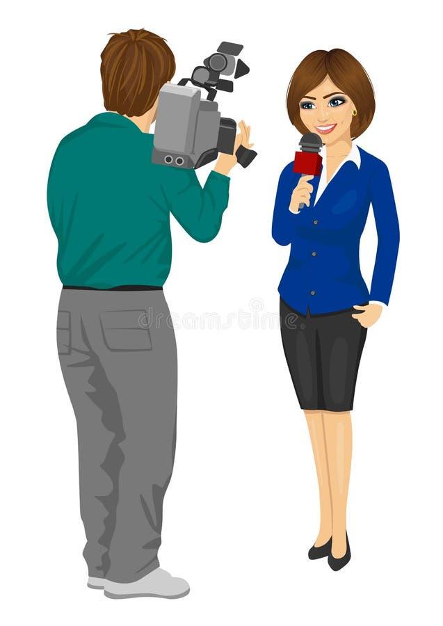 的摄影师记录女性新闻工作者或电视记者的后面观点当前新闻在演播室 库存例证