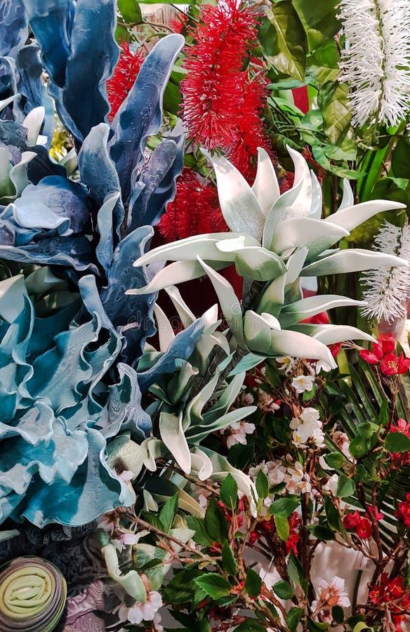 的构成花与装饰元素 免版税库存照片