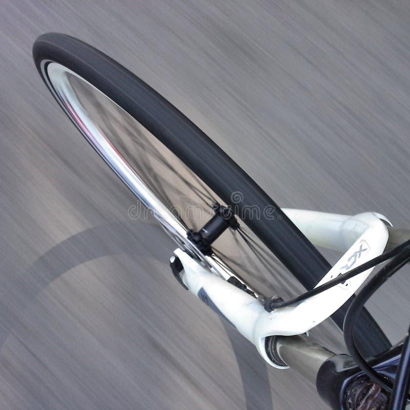 的自行车前轮行动 库存照片
