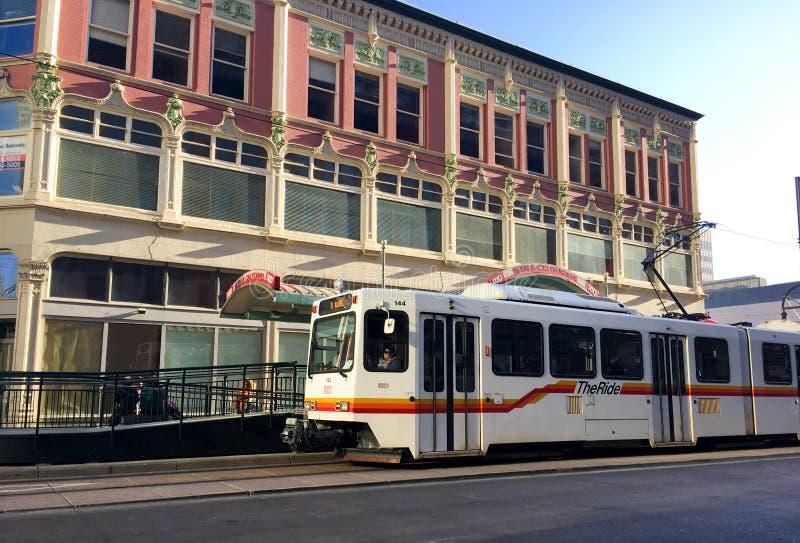 轻的路轨在丹佛,科罗拉多 免版税图库摄影