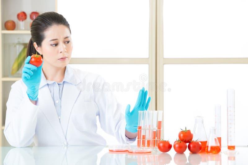 活的逗留对gmo化学制品食物说不 免版税图库摄影
