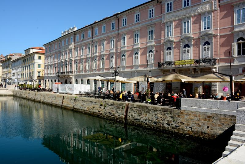 的里雅斯特,意大利大运河  免版税库存照片