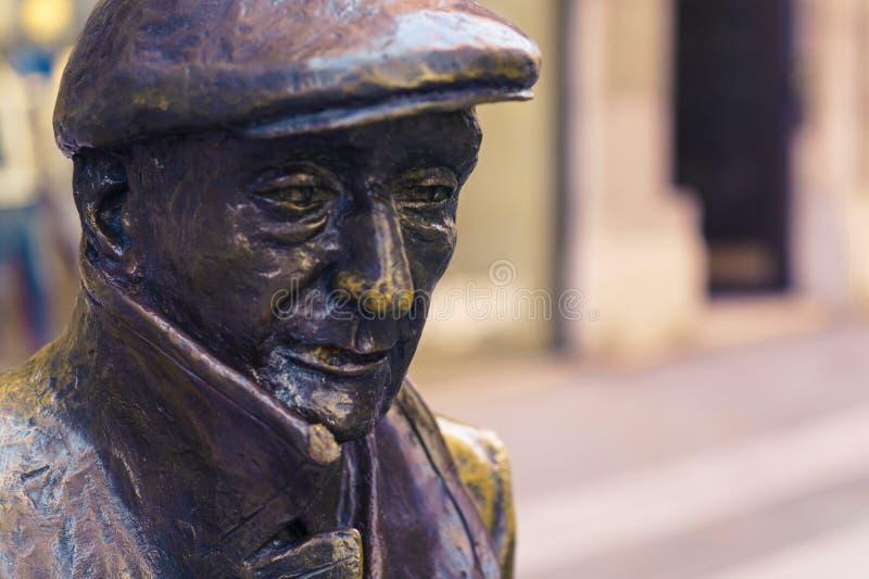 的里雅斯特,意大利- 2017年4月29日:贝尔多・萨巴雕塑 库存图片