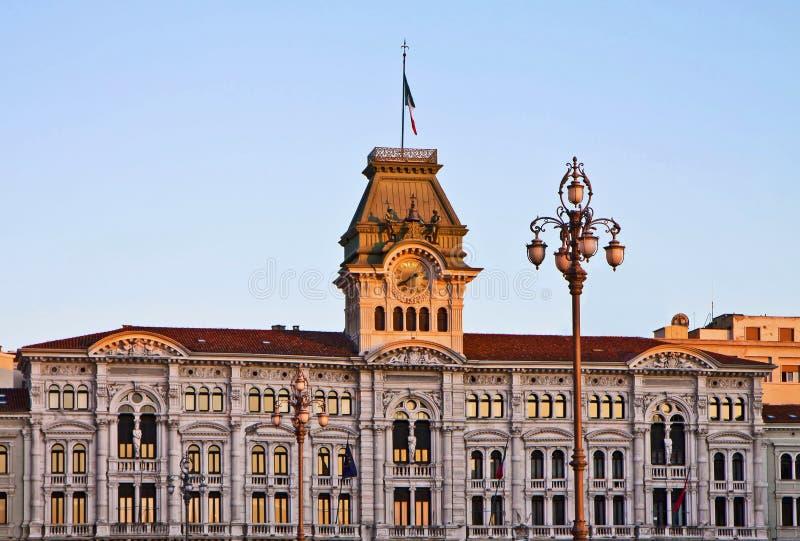 的里雅斯特,意大利-意大利广场,香港大会堂细节团结与 免版税库存图片