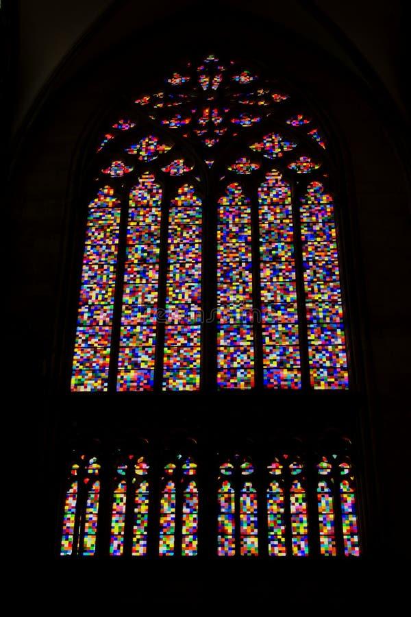 轻的`,现代污迹玻璃窗`交响乐科隆大教堂的耶尔哈德・里什泰 免版税库存照片