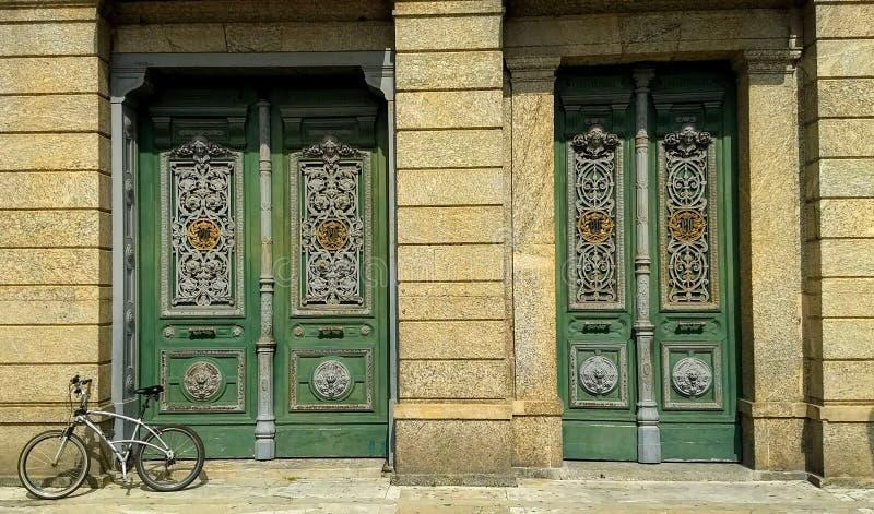 皇家宫殿和我的自行车 库存照片