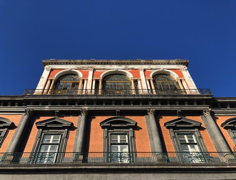皇家意大利那不勒斯的宫殿 库存图片