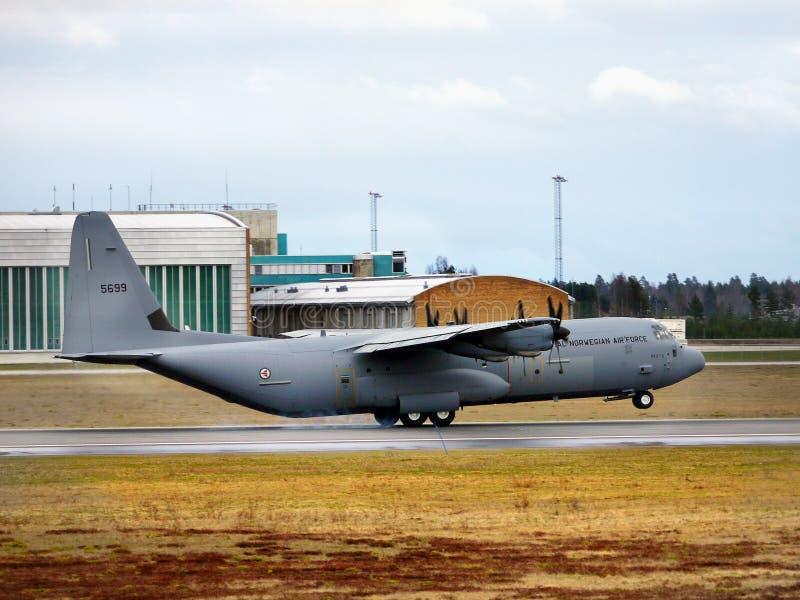 皇家挪威人空军队着陆,奥斯陆机场 库存图片