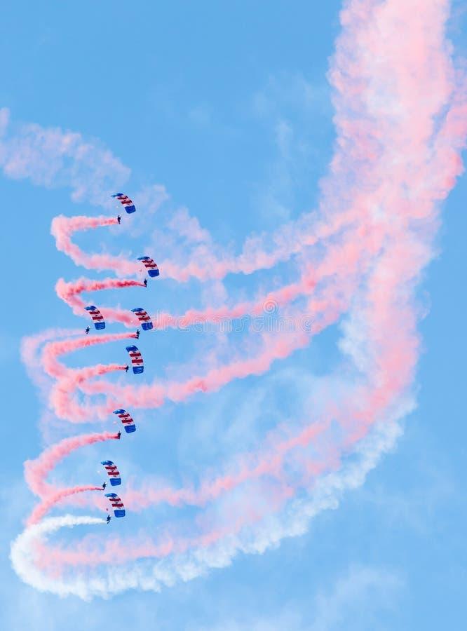 皇家空军猎鹰降伞显示队 图库摄影