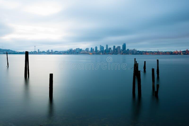 皮吉特湾和城市地平线,西雅图 免版税库存图片