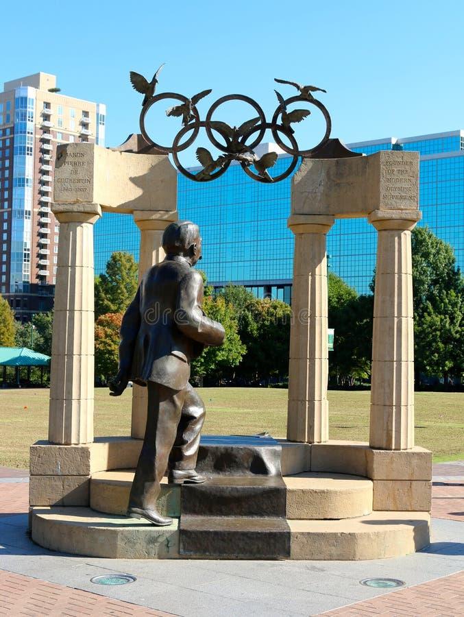 皮埃尔・德・顾拜旦和奥林匹克雕塑雕象在街市亚特兰大,乔治亚 库存照片