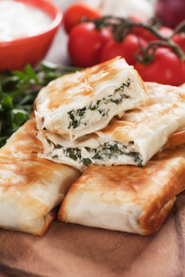 皮塔饼zeljanica,土耳其borek巴尔干版本  免版税图库摄影