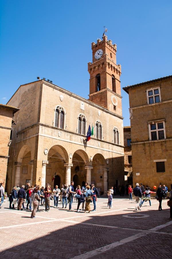皮恩扎-托斯卡纳意大利的大广场 免版税库存照片