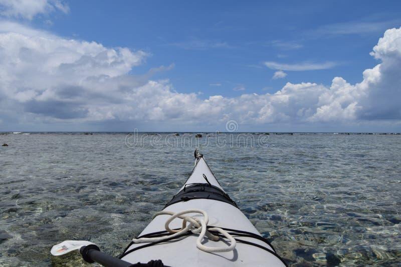 皮船在水中在伯利兹 免版税库存图片