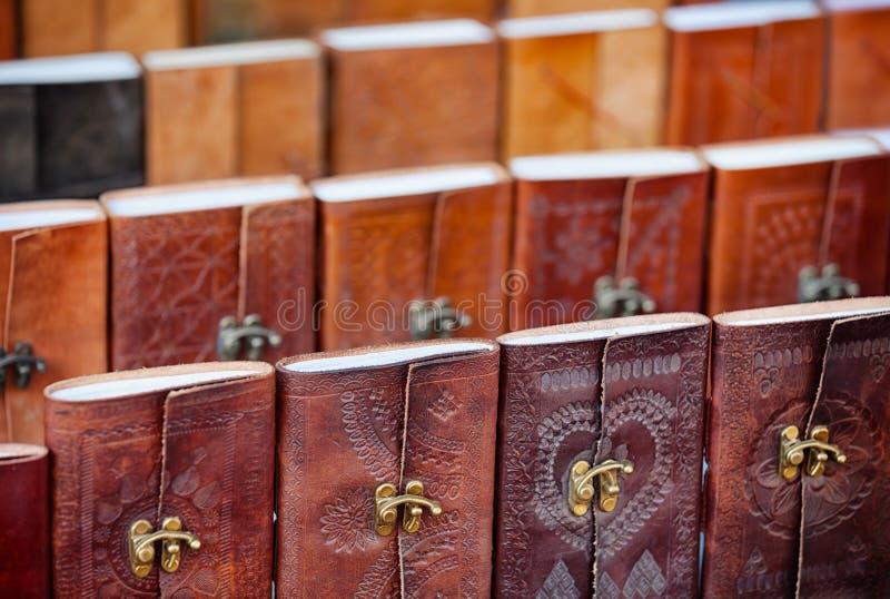 皮面装订纪念品笔记本待售在乌代浦,印度 免版税库存图片