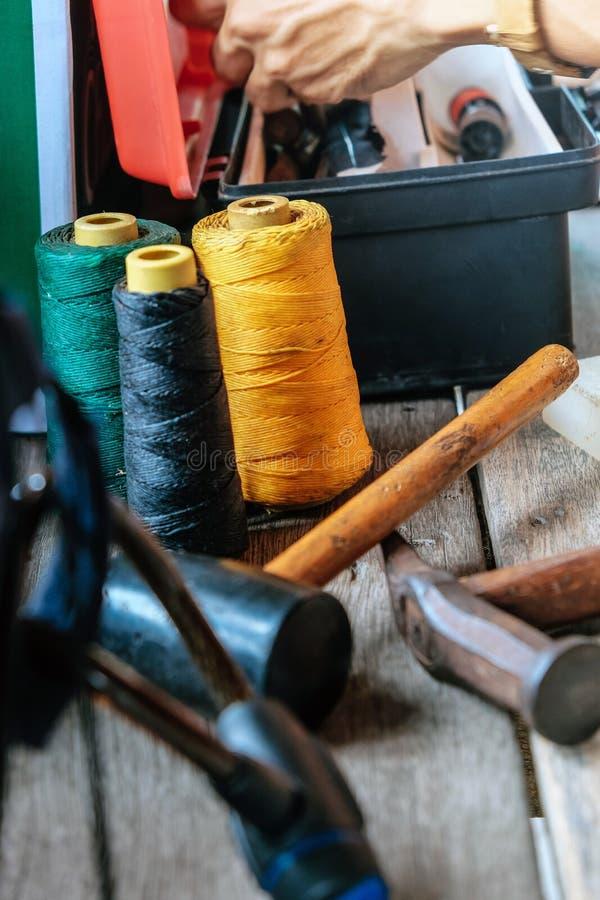 皮革制作的工具 库存照片
