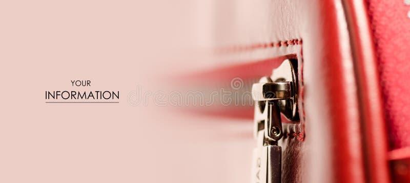 皮革妇女` s红色袋子锁宏观秀丽样式 库存照片