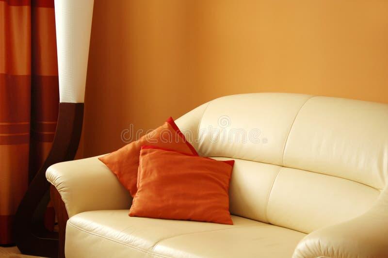 皮革沙发 免版税库存照片