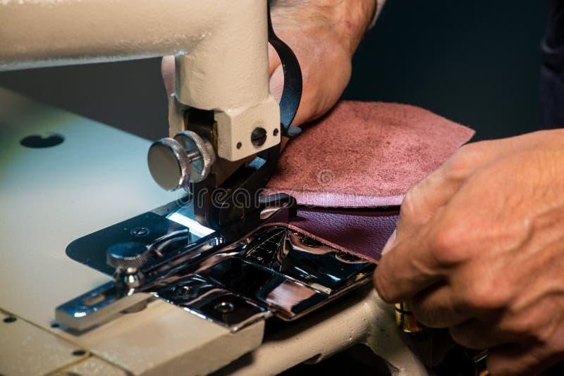 皮革的缝纫机 免版税库存照片