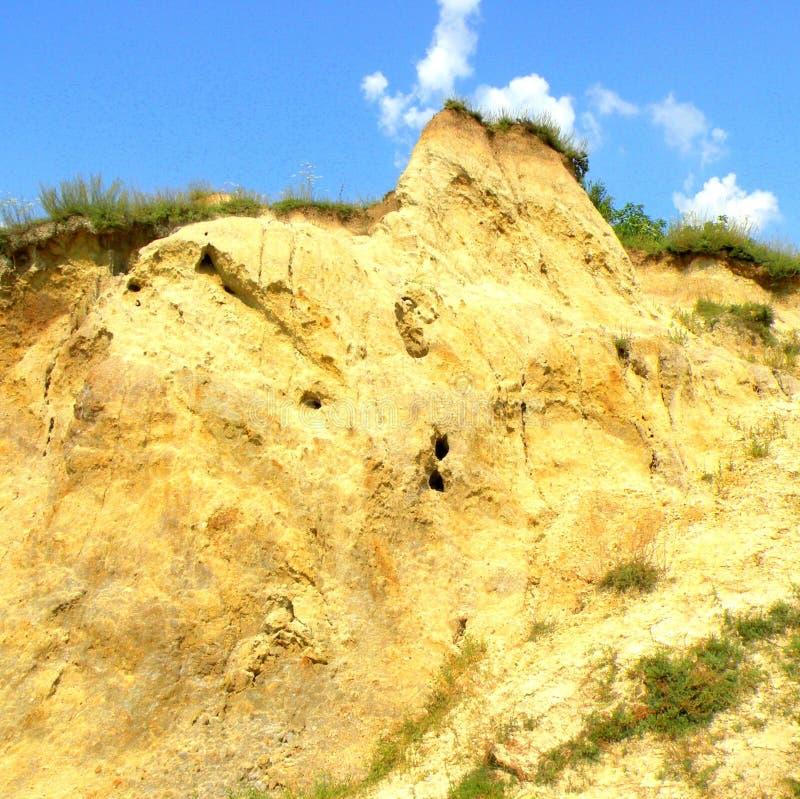 盐小山 在盐湖锡比乌盐矿镇环境美化,在锡比乌Hermanstadt附近,特兰西瓦尼亚 图库摄影