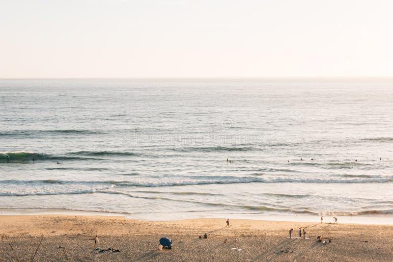 盐小河海滩和太平洋看法,在达讷论点,橙县,加利福尼亚 库存图片