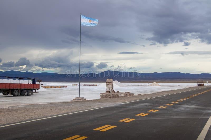 盐沼Grandes盐舱内甲板- Jujuy,阿根廷 免版税图库摄影
