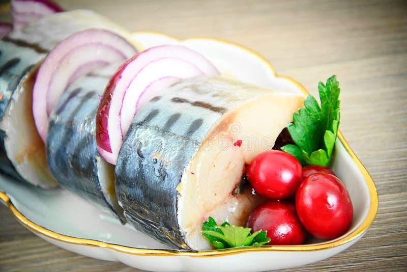 Download 盐用卤汁泡的鲭鱼用蔓越桔和 库存照片. 图片 包括有 厨房, 背包徒步旅行者, 敌意, 生气勃勃, 膳食 - 62530392