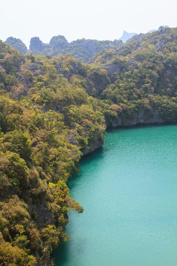 盐水湖在Moo酸值Ang钳子国家公园叫'Talay Nai' 免版税图库摄影