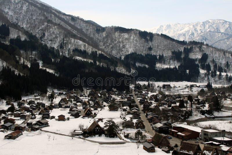 监视视图白川町去在冬天期间在日本 免版税图库摄影