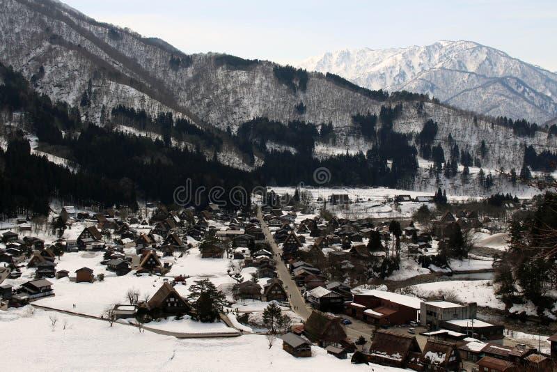 监视视图白川町去在冬天期间在日本 免版税库存照片