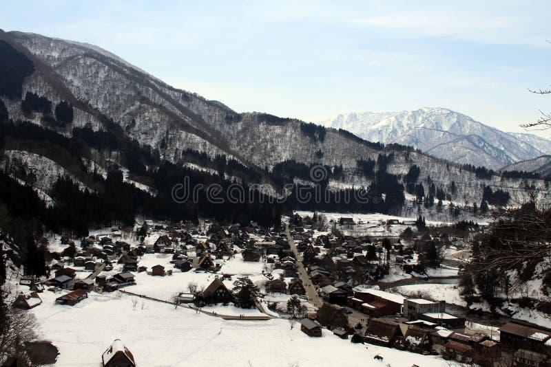 监视视图白川町去在冬天期间在日本 库存图片