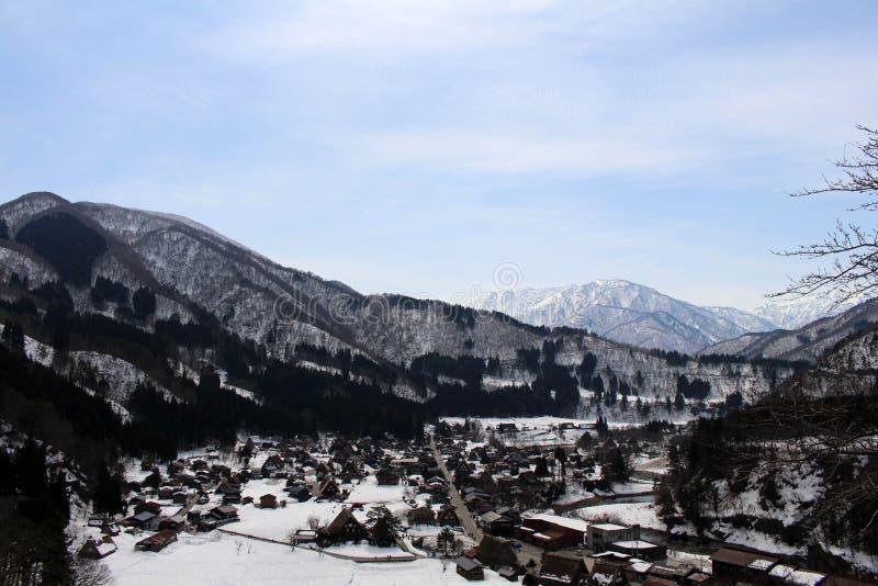 监视视图白川町去在冬天期间在日本 库存照片