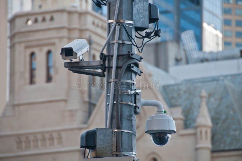 监视CCTV街道室外照相机观看步行近 免版税库存图片