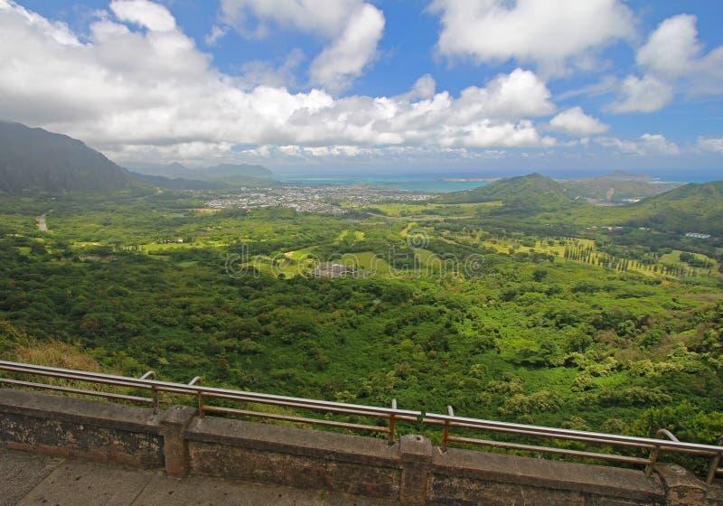 监视nuuanu奥阿胡岛pali视图 免版税图库摄影