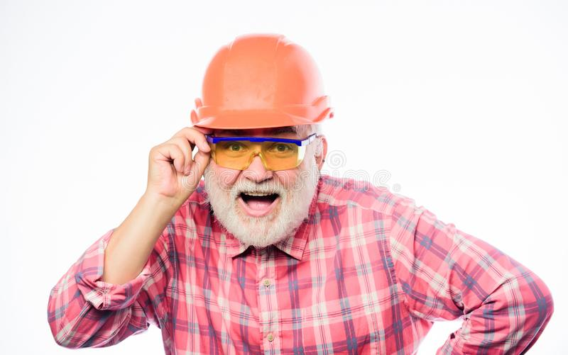 盔甲的专业安装工 建筑师修理和固定 工程师工作者事业 安全帽的成熟有胡子的人 ? 库存图片