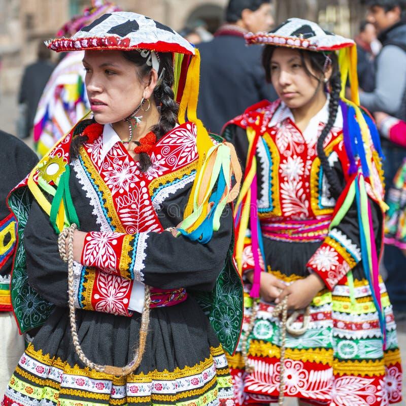 盖丘亚族人的土产妇女,印锑秘鲁货币单位Raymi节日,库斯科 免版税库存图片