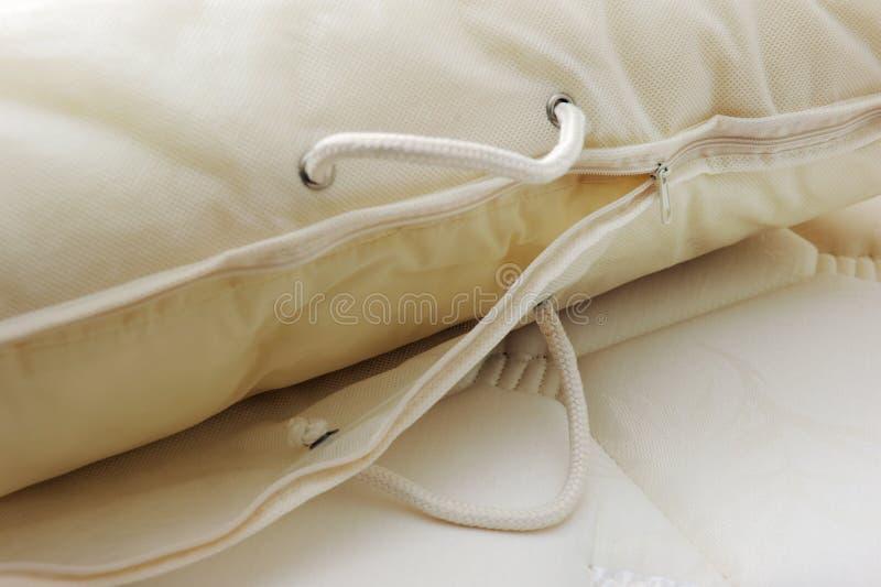 盖子枕头 免版税库存图片