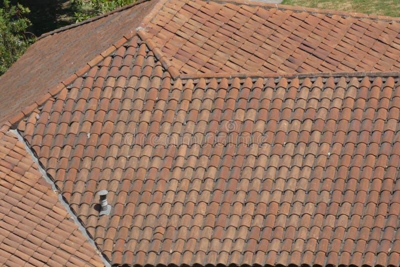 盖的屋顶 免版税图库摄影