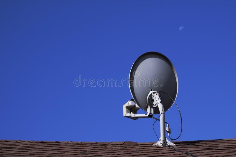 盘卫星电视 免版税库存照片
