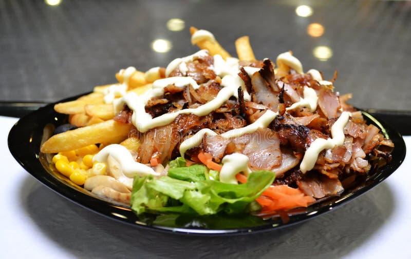 盘快餐kebab 图库摄影