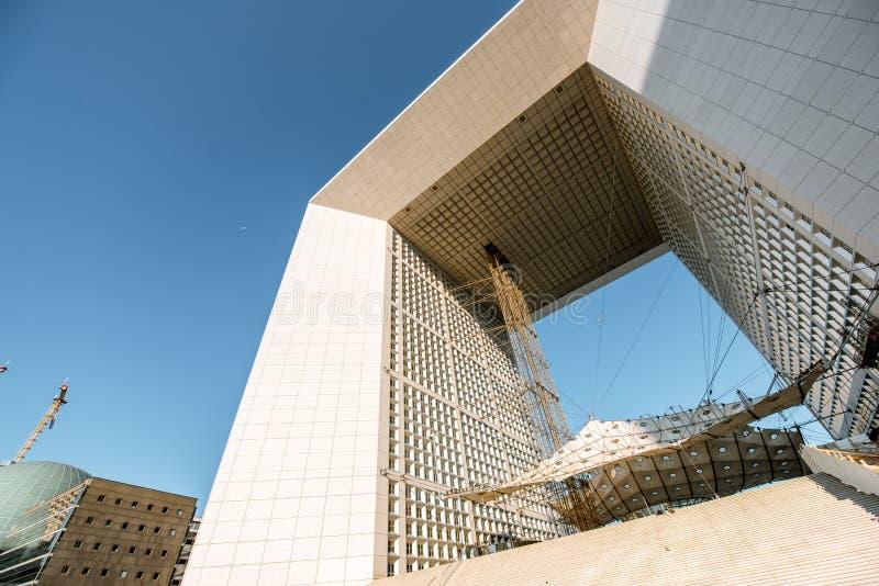 盛大曲拱在巴黎的拉德芳斯地区 库存图片