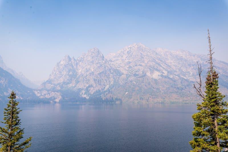 盛大Tetons的Jenny湖 免版税库存照片