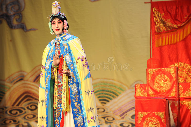 盛装是妇女:对我的姘妇的北京歌剧告别 库存照片