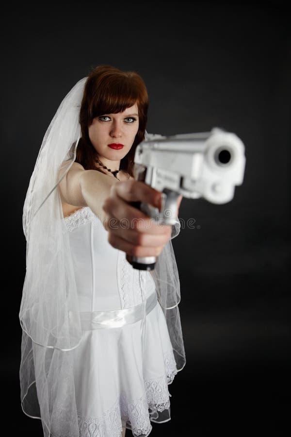 目标新娘手枪严重的作为 库存照片