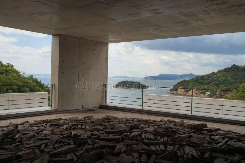 直岛,日本8月12日2017年:Benesse在直岛海岛上的美术馆 库存照片