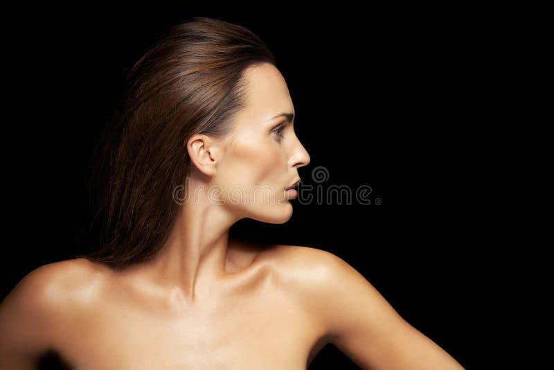 相当与发光的皮肤的白种人女性模型 库存照片